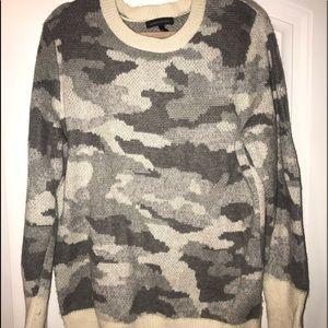 Camo wool gray sweater